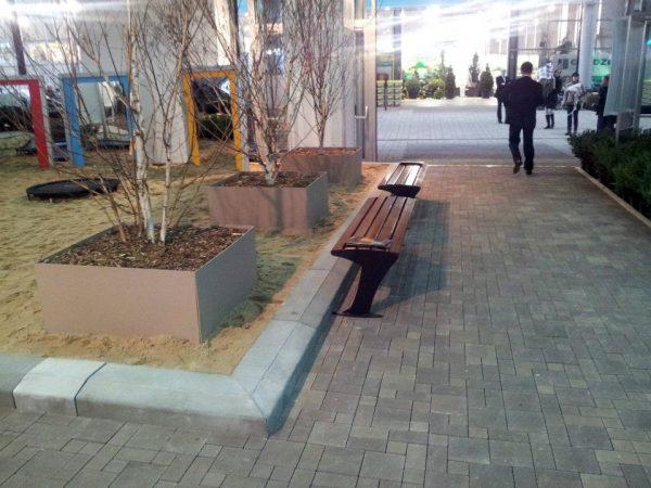 lawki parkowe stalowe sekwana